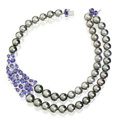 Utopia • Gallery Collection: Tahitian pearl necklace
