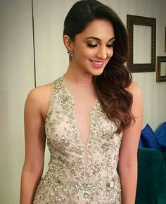 Kiara advani Hot and sexy TV serial actress from Indian television show Big boss ridhima pandit very cute beautiful photos and wallpapers w. Indian Bollywood Actress, Indian Actresses, Turkish Beauty, Indian Beauty, Most Beautiful Indian Actress, Beautiful Actresses, Mallika Sherawat Hot, Kiara Advani Hot, Kaira Advani