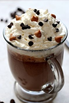 Peanut Butter Hot Chocolate Recipe – warm winter drink that tastes like peanut butter cups but saves on calories! With just 4 ingredients, it can't be easier!