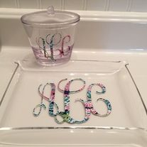 This+monogrammed+acrylic+tray+and+jar+are+prefect+for+your+bathroom+or+dresser.+Great+for+holding+all+of+your+favorite+accessories.  Choose+from+a+solid+color+or+a+beautiful+Lilly+Pulitzer+inspired+print.  At+checkout,+please+let+me+know+the+following: 1.+Monogram+Color 2.+Monogram+Initials...