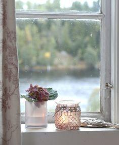 Lars og Marianne brukte ingen nye materialer i oppussingen Oslo, Aquarium, Cottage, Windows, Summer, Country, Goldfish Bowl, Summer Time, Rural Area