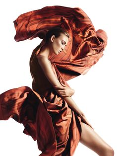 Karlie Kloss dances w/Hermes scarves in Aves de Paso for Vogue Spain