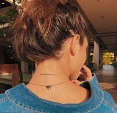 Cool necklace and tattoo Inspirational Ladies - diy tattoo i . - Cool necklace and tattoo Inspirational ladies – diy tattoo images – - Girly Tattoos, Little Tattoos, Cute Tattoos, Body Art Tattoos, Small Tattoos, Tatoos, Flower Tattoos, Small Tattoo Placement, Tatoo Neck