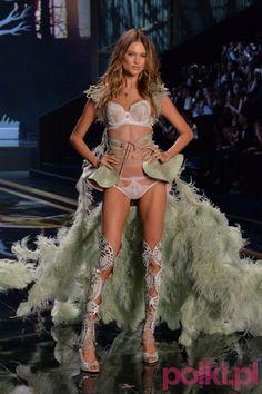 Victoria's Secret 2014 Show - Behati Prinsloo #polkipl #victoriassecret