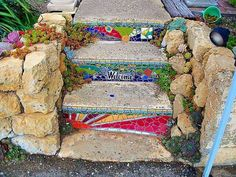 How to Make an Interesting Art Piece Using Tree Branches Mosaic Crafts, Mosaic Projects, Mosaic Art, Mosaic Glass, Mosaic Tiles, Stained Glass, Pebble Mosaic, Tiling, Mosaic Stairs