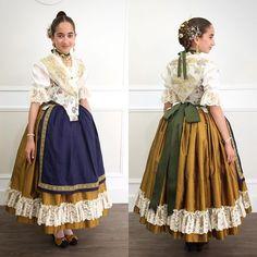 Tradición Valenciana desde bien pequeña. #indumentariavalenciana #indumentariatradicional #valenciana #valencia #tradicion #vestiralaantiga… European Dress, Traditional Outfits, Vintage Fashion, Feminine, Lace Up, Blouse, Sleeves, 18th Century, Inspiration