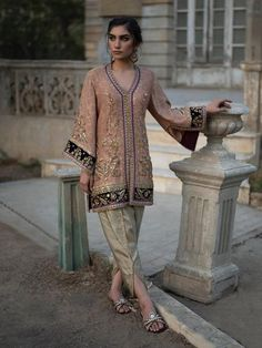 Shop the official Misha Lakhani online store for the latest wedding dresses, lehenga, bridal couture, ghagra choli, and many more. Shadi Dresses, Pakistani Formal Dresses, Pakistani Wedding Outfits, Pakistani Dress Design, Bridal Outfits, Indian Dresses, Indian Outfits, Pakistani Clothing, Eid Outfits