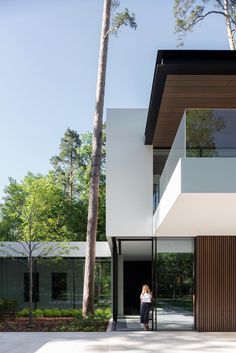 Modern Forest House Designed to Become a Serene Sanctuary - Architecture Beast Modern Architecture House, Residential Architecture, Modern House Design, Architecture Details, Neoclassical Architecture, Pavilion Architecture, Residential Lighting, Sustainable Architecture, Forest Design