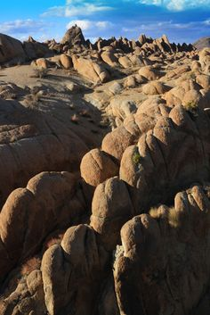 Alabama Hills - Eastern Sierra Nevada Mountain Range,  Lone Pine, CA Copyright: Ray Anderson
