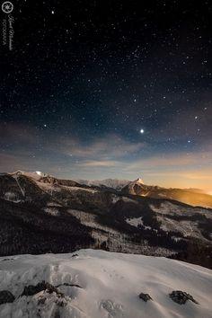 Kamil Michoński/Tatry #tatry #tatra #tatramountains #poland #landscape #mountains #night #stars #starrynight #snow