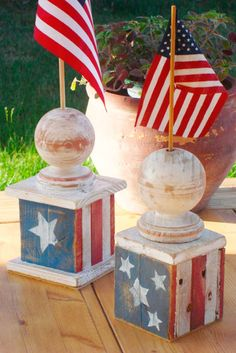 Rustic American Flag Holder by SibleyWoodShop - Etsy patriotic July decoration Americana Crafts, Patriotic Crafts, July Crafts, Summer Crafts, Holiday Crafts, Patriotic Party, Country Wood Crafts, Holiday Ideas, Fourth Of July Decor