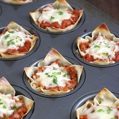 Food Discover Muffin Tin Mini Lasagna by Traceys Culinary AdventuresMini Lasagne :D Mini Lasagne Tapas Muffin Pan Recipes Aperitivos Finger Food Mini Foods Fingers Food Appetizer Recipes Love Food Food To Make Aperitivos Finger Food, Mini Lasagna, Lasagna Cups, Lasagna Bites, Pizza Bites, Muffin Pan Recipes, Mini Foods, Finger Foods, Love Food