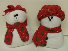 Snowman & Snowlady .  Make a snowman plushie by sewing and machine sewing with fabric, stuffing, and fleece. Creation posted by Caz.  in the Sewing section Difficulty: 3/5. Cost: 3/5.