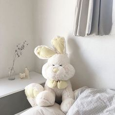 Beige Aesthetic, Aesthetic Colors, Korean Aesthetic, Japanese Aesthetic, Aesthetic Girl, Room Maker, White Feed, Theme Background, Instagram Blog