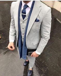 Men's three piece suit with blue tie. Best Wedding Suits, Men's Fashion, Fashion Suits, Charcoal Suit, Moda Formal, Designer Suits For Men, Brown Suits, Casual Wear For Men, Bespoke Suit