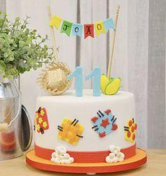Bolo de festa junina do João. 11 meses. Tem todos os detalhes dessa comemoração no site www.conexaomamaes.com.br Fizemos um vlog da festa, que ficou lindo!!! Não percam.
