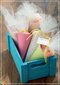 Veja ideias de lembrancinhas de maternidade pra você fazer em casa baratas, lindas, criativas, fáceis de fazer e que todo mundo vai amar.
