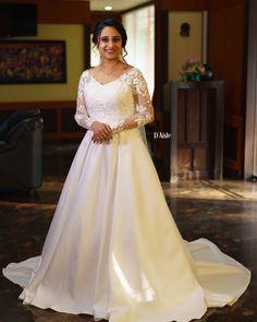 Christian Wedding Dress, Christian Bridal Saree, Fantasy Wedding Dresses, Christian Bride, White Wedding Gowns, Modest Wedding Dresses, Wedding Dress Styles, Bridal Dresses, Bridal Veils