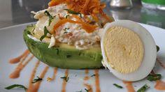 Peruvian Recipes, Avocado Egg, Relleno, Breakfast, Html, Food, Vegetarian Recipes, Healthy Recipes, Cooking Recipes