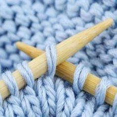 Astuces tricot - Knitting And Crocheting Crochet Mittens, Crochet Baby, Knit Crochet, Crochet Granny, Wool Yarn, Knitting Yarn, Knitting Patterns, Merino Wool, Non Woven Bags