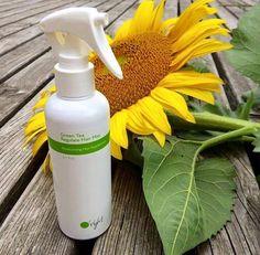 Green Tea Hair Mist, vochtinbrengende spray met hitte en uv bescherming.  O'Right, natuurlijke haarverzorging