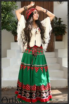 I own this skirt! It is just amazing in real life as in pictures. By Artka♥