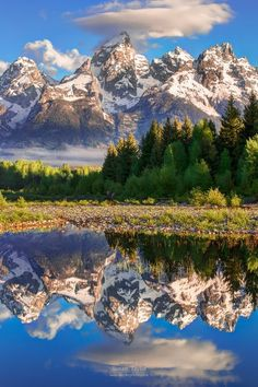 Grand Teton National Park on the Snake River, Wyoming, by National Geographic Landscape Photos, Landscape Photography, Nature Photography, White Photography, Grand Teton National Park, National Parks, Beautiful World, Beautiful Places, Image Nature
