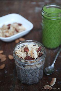 Kokosmandel Granola auf Chia Pudding // nikesherztanzt