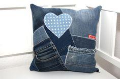 Kissenbezüge - Kissenhülle Recycling Jeans Taschen Flicken blau - ein Designerstück von MarionGreRecycling