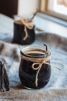 Hint of Vanilla: Homemade Vanilla Extract