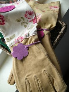 leather and linen gardening gloves - gorgeous!