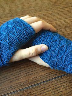 Handcrafted Vintage: Lattice Knit Wrist Warmers