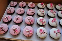 Vanilla vanilla and raspberry white choc cupcakes with smooth fondant icing, piped brown RI branches and handmade fondant cherry blossoms for the lovely Briar's birthday. Japanese Party, Japanese Wedding, Japanese Theme Parties, 21st Birthday Decorations, Birthday Parties, Cherry Blossom Party, Cherry Blossoms, Asian Party, Sushi Party