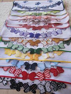Lindos panos de prato coloridos, com aplicação no barrado de borboletas .Várias…