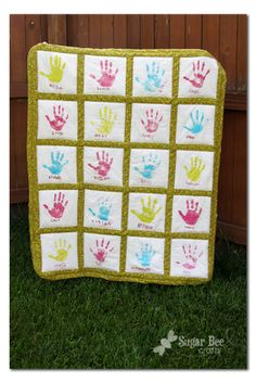 Sugar Bee Crafts: sewing, recipes, crafts, photo tips, and more!: Handprint Quilt - Teacher Gift
