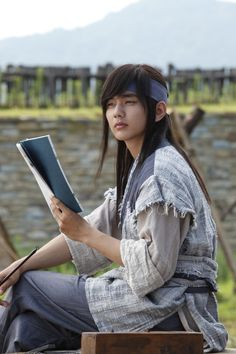 Yoo SeungHo as Yeo Woon (Warrior Baek Dongsoo