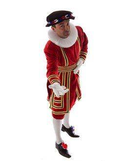 Royal Beefeater themed actor and performer for hire in London and the UK.Our British themed entertainment is ideal for Royal themed events and celebrations.