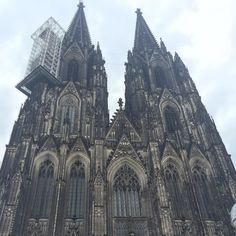 The #cathedral of #Cologne ... It has been a very cold day. Winter is here again.  #Germany #3cities in #2days by piecesofmoi