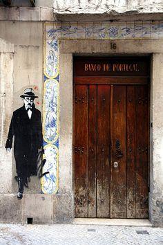 Lisbon , street art - Fernando Pessoa , poet
