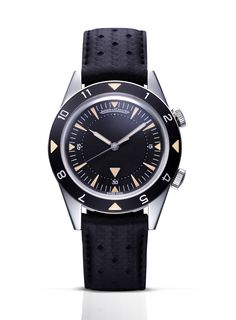 The watch that Jean Dujardin wore to the Oscars: the Jaeger-LeCoultre Memovox Tribute to Deep Sea.