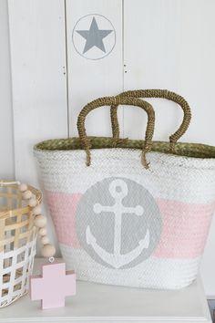 Korbtasche Ibiza, Beach Basket, Straw Handbags, Boho Bags, Basket Bag, Beaded Garland, Beach Bags, Summer Bags, Sisal