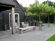 In de landelijke tuin is er veel raak vlak tussen tuin en landschap. Bezoek TuinTuin.nl en bekijk duizenden foto's en lees blogs over landelijke tuinen.