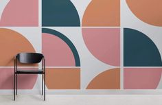 Create a stylish retro theme in your space with this pink retro geometric wallpaper, a unique design full of colour. Geometric Wall Paint, Geometric Wallpaper Murals, Geometric Decor, New Interior Design, Mid Century Modern Art, Mid Century Modern Wallpaper, Retro Ideas, Retro Home, Modern Room