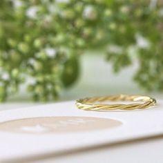 ROUND & ROUND — bespoke engagement ring by Michaela Roemer