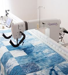 Longarm Quilting Service Handi Quilter, Longarm Quilting, Home Accessories, Quilts, Blog, Scrappy Quilts, Home Decor Accessories, Quilt Sets, Blogging
