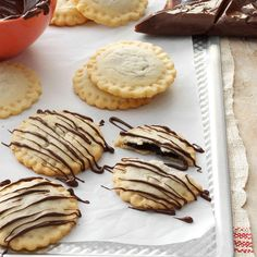 Chocolate-Drizzled Ravioli Cookies Recipe -My daughter Madalyn came up with the… Chocolate Ravioli, Homemade Chocolate, Melting Chocolate Chips, Chocolate Drizzle, Fun Desserts, Delicious Desserts, Dessert Recipes, Dessert Ideas, Dessert Ravioli Recipe