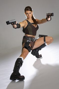 Model alison tomb raider carroll