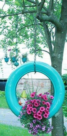 How to make a DIY painted tire planter from old tires. I definitely want to make this one. Previous We boost the decoration in the garden with DIY Ideas Made With Old Tires Garden Crafts, Garden Projects, Garden Art, Garden Design, Diy Projects, Diy Crafts, Easy Garden, Recycled Crafts, Outdoor Projects