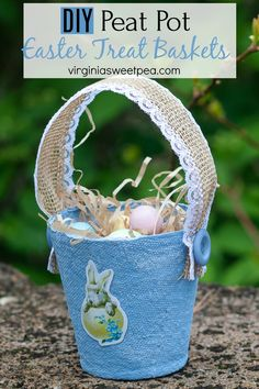 DIY Peat Pot Easter Treat Basket - Learn how to make these adorable Easter treat baskets using peat pots ribbon and buttons. Easter Candy, Easter Treats, Easter Gift, Easter Decor, Crafts To Do, Home Crafts, Crafts For Kids, Vase Fish Tank, Beach Canvas Wall Art