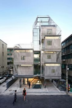 World Architecture Community News - Songpa Micro-Housing Seoul, Korea by SsD Architecture+Urbanism Architecture Metal, Contemporary Architecture, Sustainable Architecture, Open Space Architecture, Cultural Architecture, Interior Tropical, Fachada Colonial, Microhouse, Vitra Design Museum